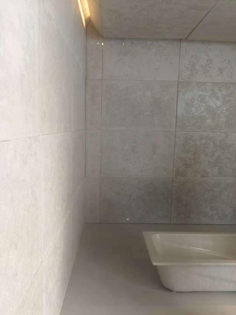 建筑内部浴缸